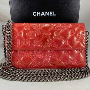 CHANEL Patent Biarritz Organizer on Chain
